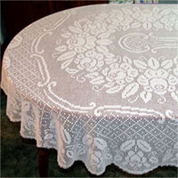 Free Crochet Pattern - Heart Filet Crochet Tablecloth (with pic
